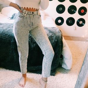 VINTAGE STRIPED BLUE AND WHITE MOM JEANS